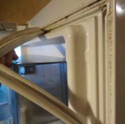 место где спрятались тараканы в холодильнике