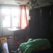 поиск тараканов в комнате
